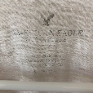 American Eagle Outfitters Tops - Animal graphic t shirt